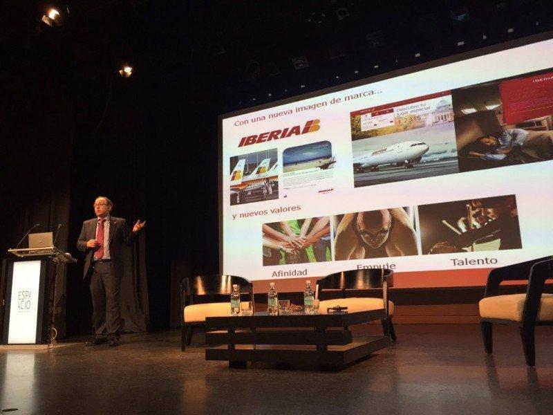 Luis Gallego, presidente de Iberia, en la presentación de la compañía en Santiago de Chile. Foto: EFE