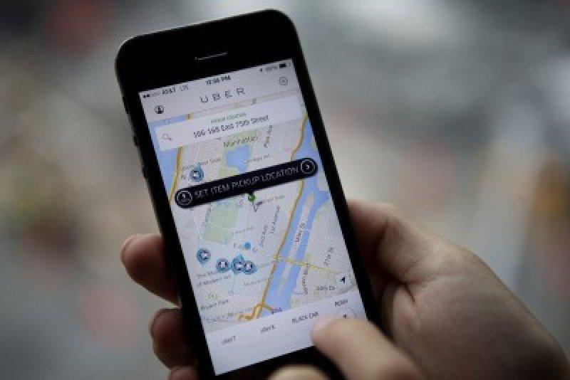 Uber ofrece una nueva forma de transporte a partir del internet.
