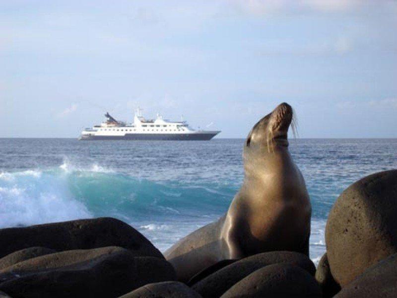 El actual barco de Celebrity en el archipiélago ecuatoriano tiene capacidad para 100 pasajeros.