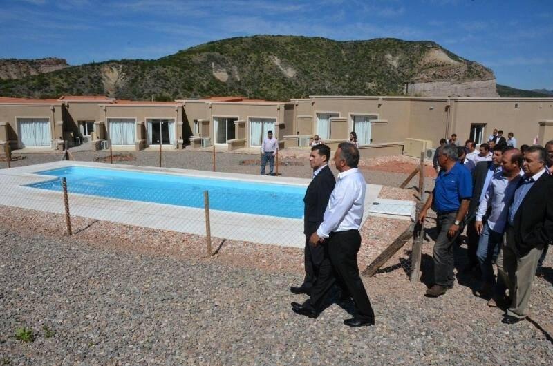 El gobernador Sergio Casas participó de la inauguración de Posta Pueblo.