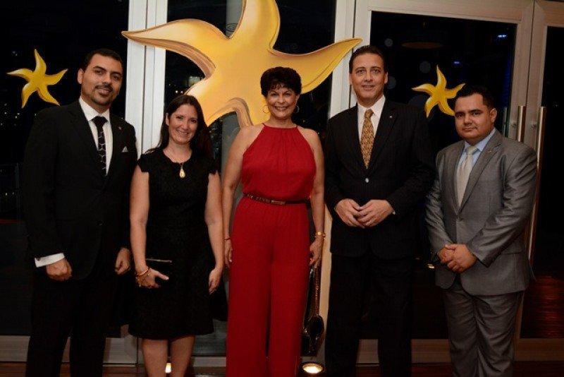 Directivos de Iberostar en la entrega de premios en Buenos Aires.