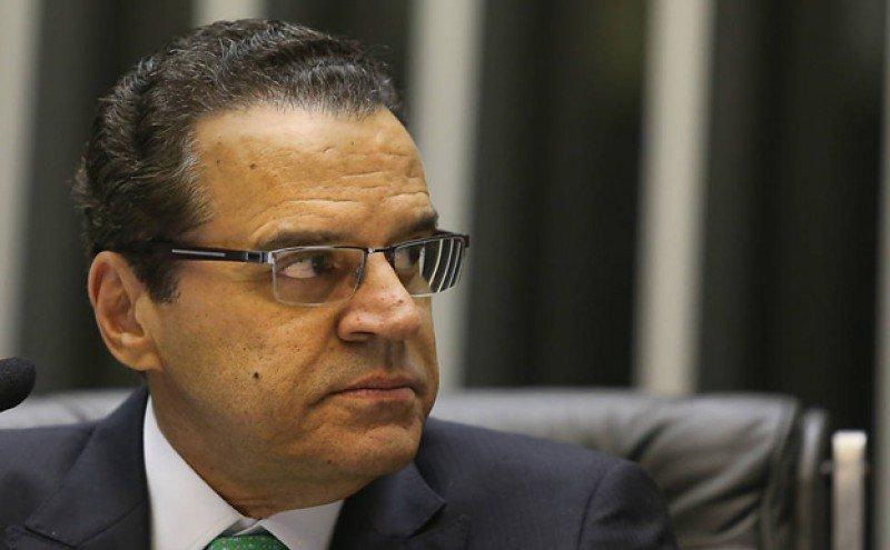 Henrique Alves.