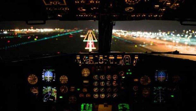 Pilotos de Aerolíneas Argentinas convocan un paro de 24 horas para el viernes