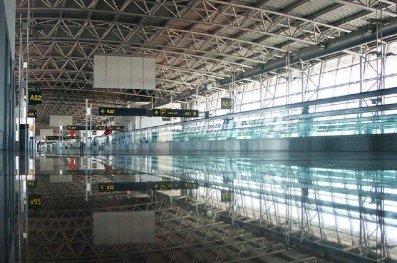 Aeropuerto de Bruselas seguirá cerrado hasta el sábado