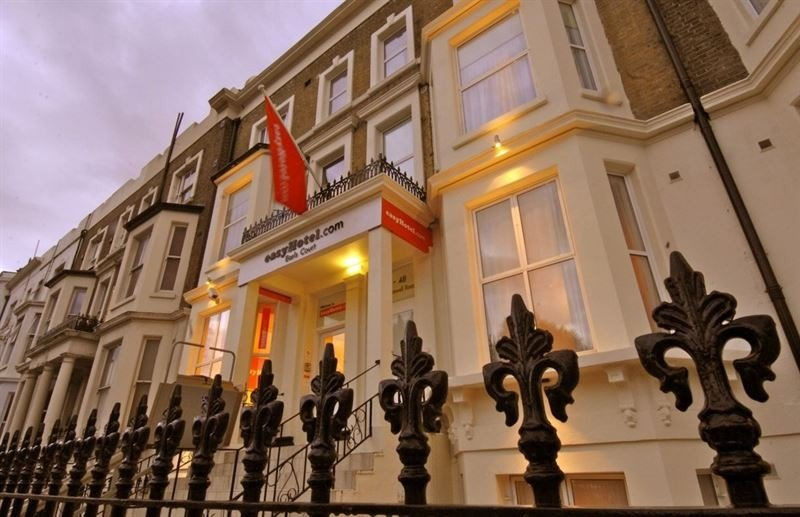 La británica easyHotel planea abrir tres hoteles propios en España