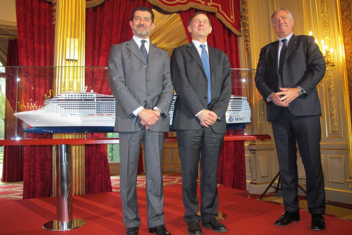 De izquierda a derecha, Gianni Onorato, CEO de MSC Cruceros; consejero delegado de STX France, Laurent Castaing, y Pierre Franciesco Vago, presidente ejecutivo de MSC Cruceros.