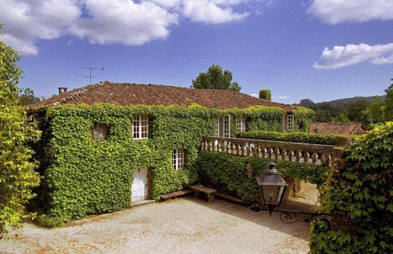 Éste es uno de los pazos que la consultora Lançois Doval tiene en venta.