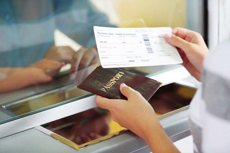 Europa aprueba el polémico registro de datos de pasajeros