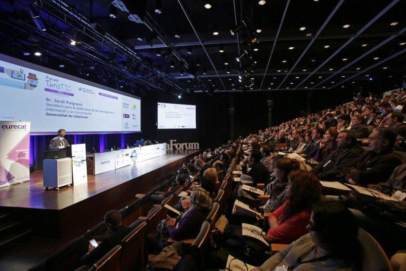 Una imagen general del Forum TurisTIC 2016 que se ha celebrado en el CaixaForum de Barcelona.