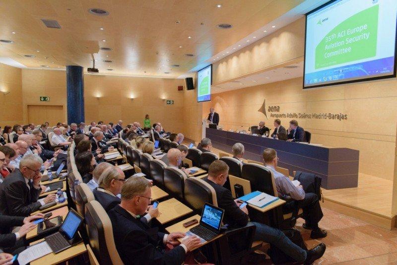 Las instalaciones del Aeropuerto de Madrid-Barajas acogen el encuentro, realizado por primera vez en España.