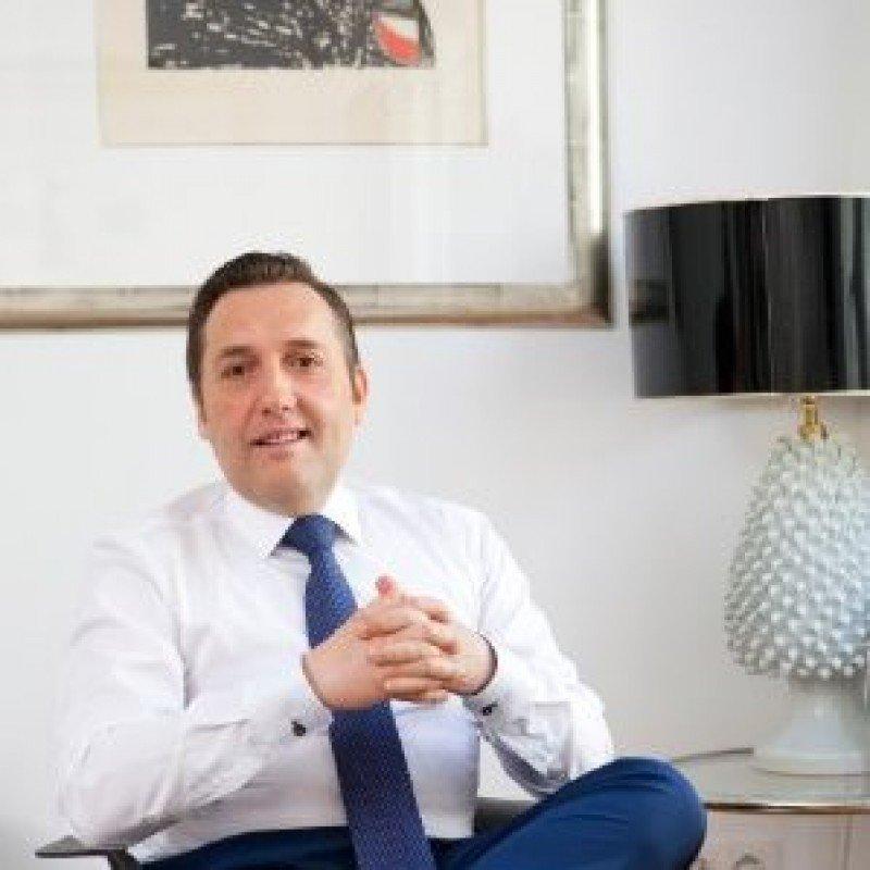 Víctor Bañares es el nuevo director comercial de Paradores