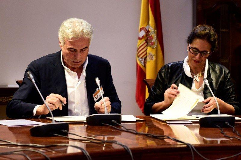 El acuerdo ha sido firmado por la Secretaria de Estado de Turismo, Isabel Borrego, y el presidente de Saborea España, Pedro Larumbe.
