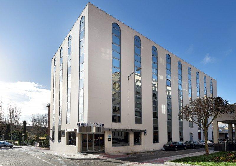 El Exe Hotel Salamanca dispone de 63 habitaciones y dos salas de reuniones hasta para 140 personas.