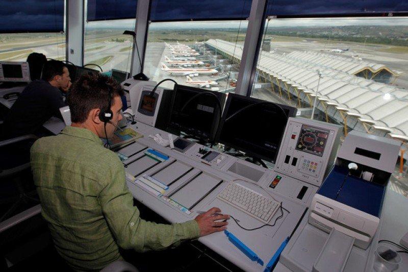 Implantarán nuevos sistemas de voz en el Centro de Control Aéreo de Madrid