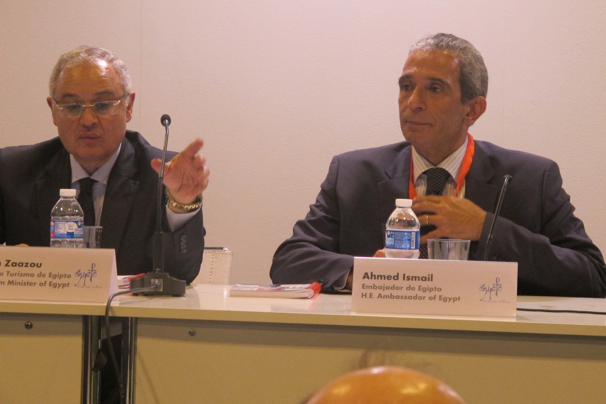 El ministro de Turismo de Egipto, Hisham Zaazou, y Ahmed Ismail, embajador en España, ofrecieron una rueda de prensa en Fitur para contar las medidas emprendidas en materia de seguridad.