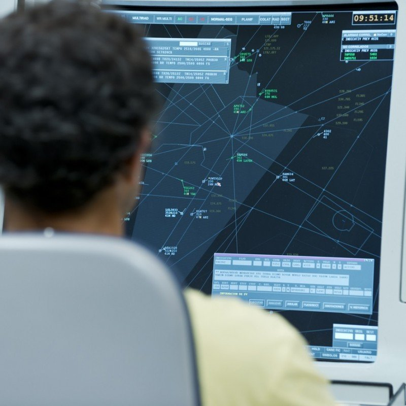 Enaire convocará 39 plazas de controladores aéreos