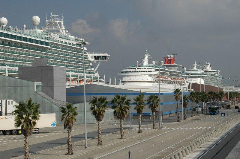 Barcelona recibe un 10% más de cruceristas en el primer trimestre