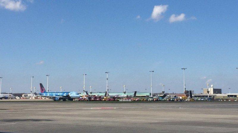 Tres vuelos de Brussels Airlines reinauguraron el domingo el aeropuerto atacado.