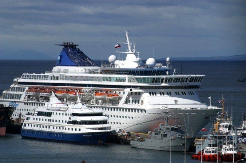 Temporada de cruceros en Chile aumentó 35% y cerró con 414.000 visitantes