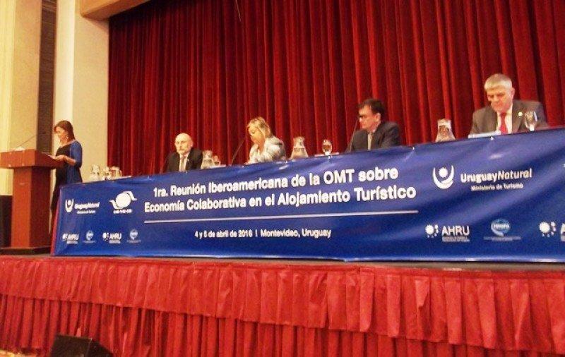 Apertura de la conferencia en Montevideo.