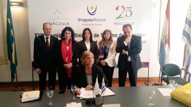 Ministros de Turismo de los países del Mercosur se reunieron en Montevideo.