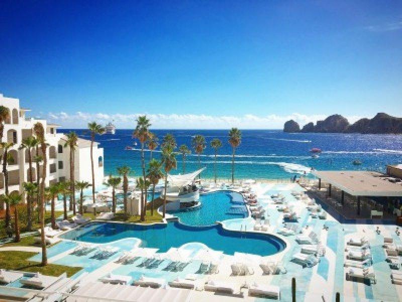 Hotel ME Cabo reabre tras inversión de US$ 17 millones