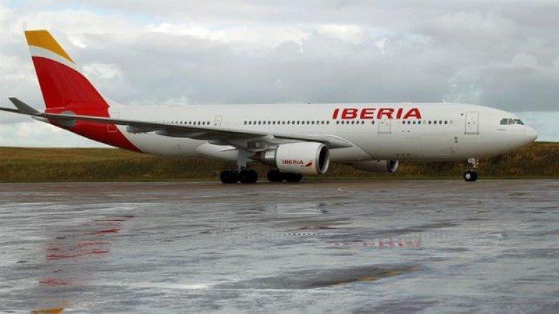 Pasajeros uruguayos permanecen en Fortaleza 3 días después de emergencia en Iberia