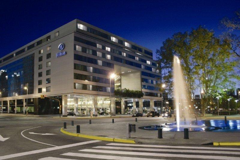 El centro de convenciones del Hilton Buenos Aires tiene una capacidad total para 4.500 asistentes.