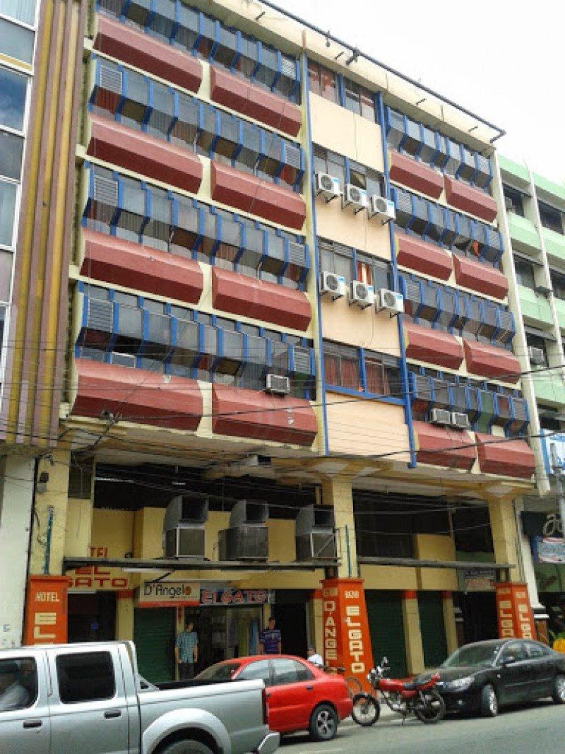 Así era el hotel que se desplomó en el centro de Portoviejo.