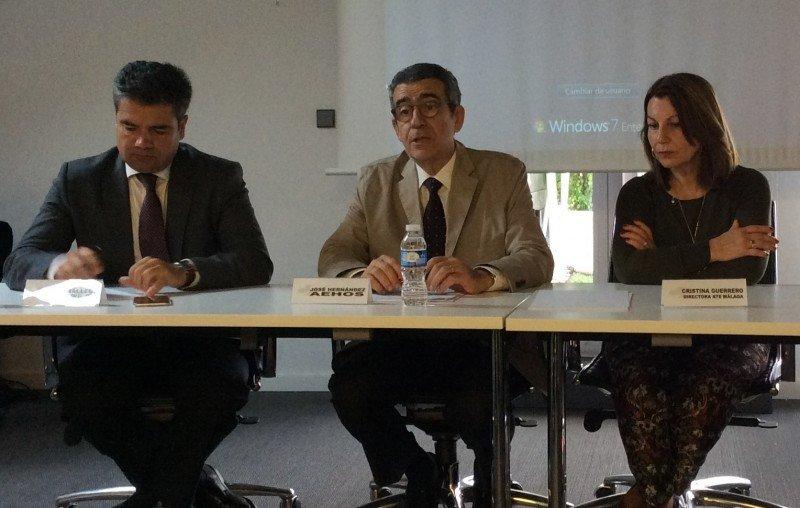Emilio Gallego, José Hernández y Cristina Guerrero (de izqu. a dcha.).