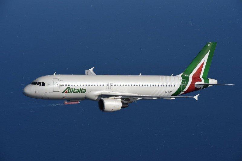 Alitalia conecta Barcelona con Cerdeña este verano