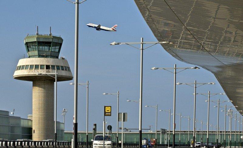 Aeropuerto de Barcelona-El Prat, T1 (Foto: BarcelonaHotels).