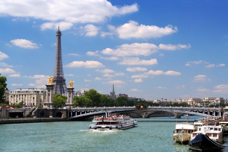 París continuó siendo el destino más golpeado.