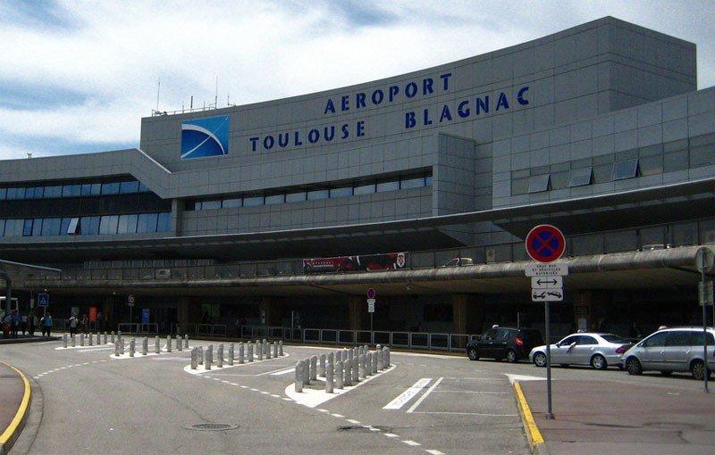 Aeropuerto de Tolouse-Blagnac, donde fueron dejados en tierra los pasajeros con conducta 'antisocial'.