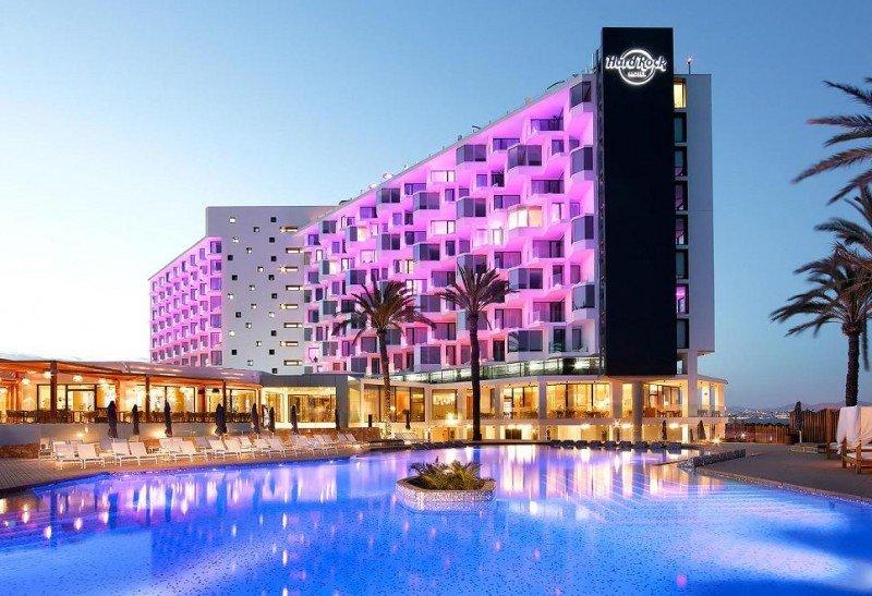 """En el Hotel Hard Rock Ibiza las tarifas han aumentado """"de manera escandalosa"""" hasta en un 230%."""
