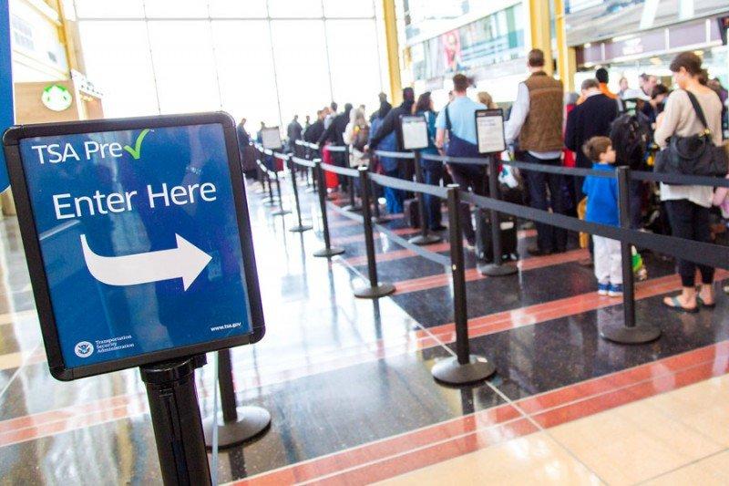Destituyen al responsable de la seguridad en los aeropuertos de EEUU
