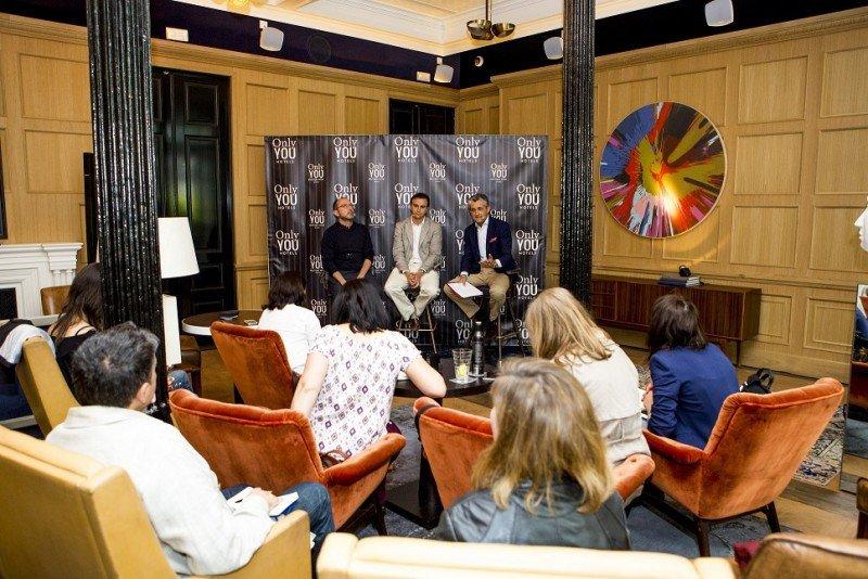 De izq. a dcha, Lázaro Rosa-Violán, Abel Matutes y Juan Serra, en la presentación de la ampliación del Only YOU Boutique Hotel Madrid.