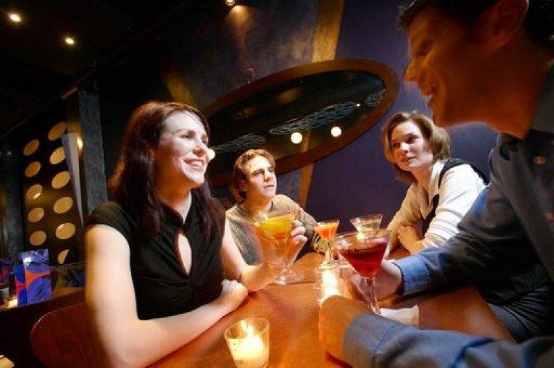 El 76% de la población que acude a un bar es aficionada al fútbol.