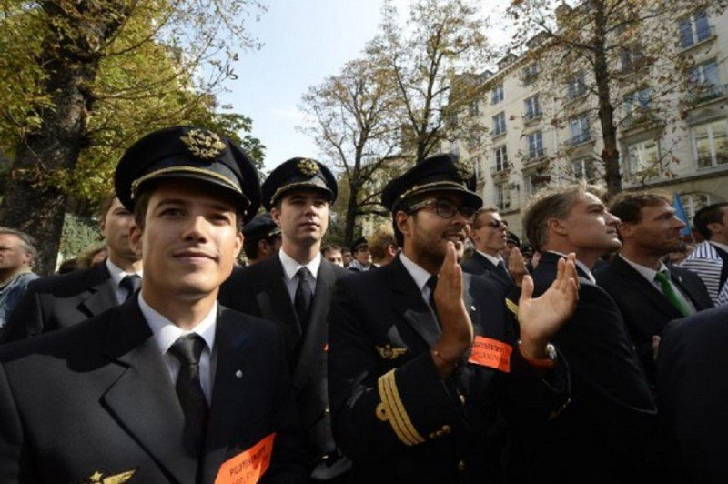 Los pilotos de Air France votan por la huelga