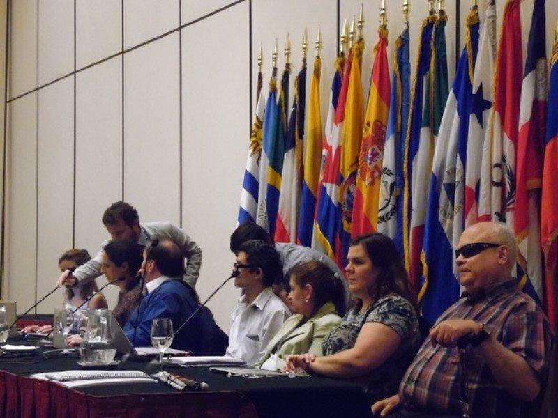 Unas 300 personas participaron en el congreso y la asamblea, casi todas no videntes.