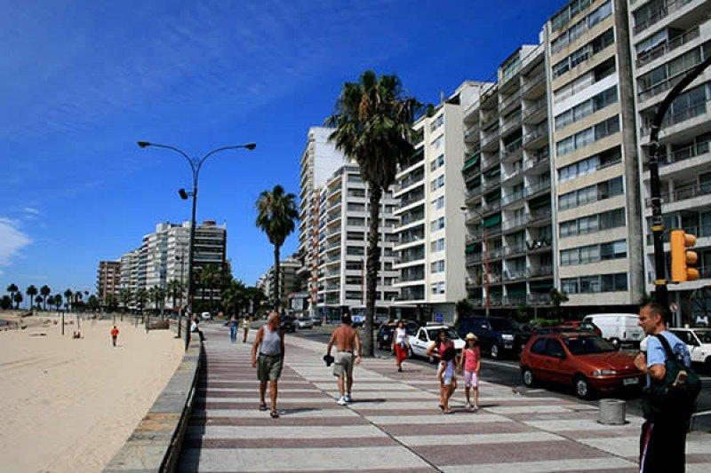 Rambla de Pocitos, Montevideo.