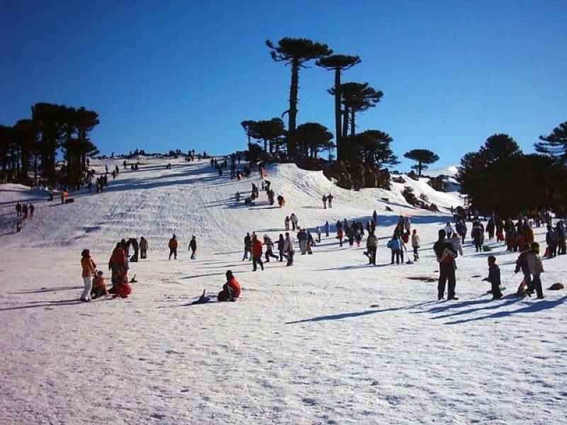 Parque de nieve Primeros Pinos en Neuquén.