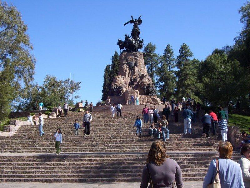 Cerro de la Gloria, Ciudad de Mendoza.