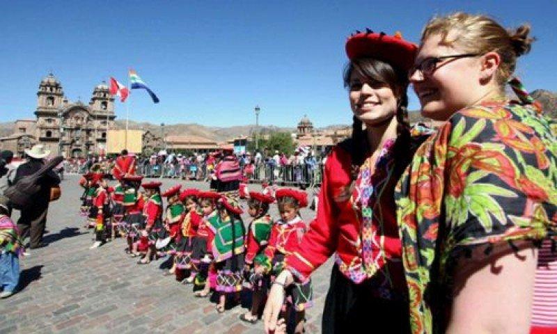 Gasto de turistas extranjeros en Perú creció 6,6% en primer trimestre 2016