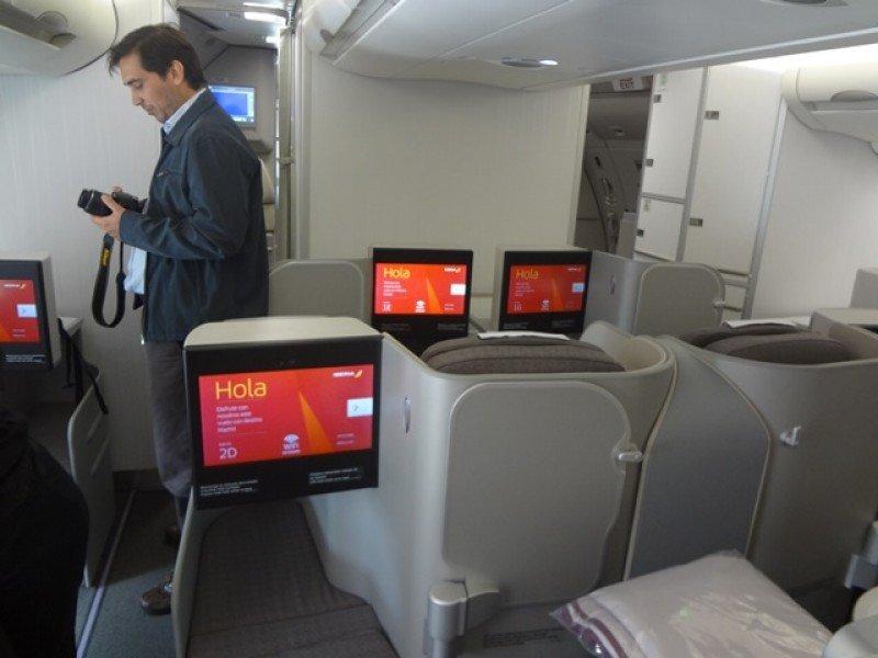 Nueva clase Business del Airbus A330-200 de Iberia, con camas de dos metros.