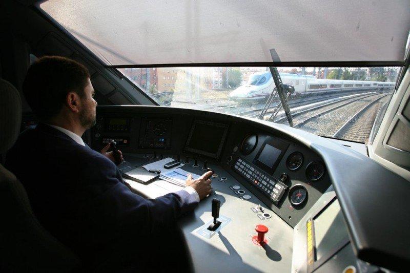 Renfe lanza una oferta para 522 trabajadores, la mitad maquinistas
