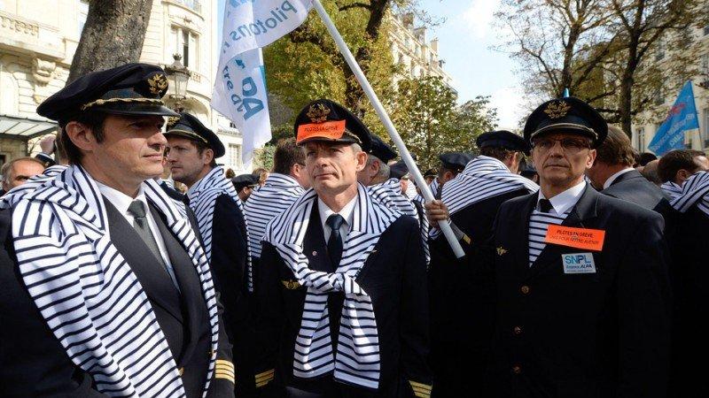 Las huelgas de pilotos en Air France y trenes coinciden con la Eurocopa /Foto archivo.
