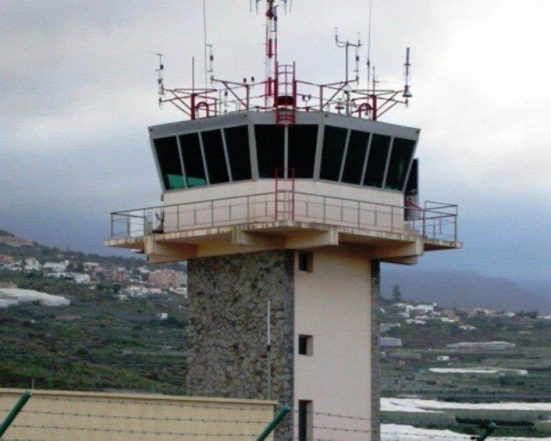 Torre de control de La Palma, una de las primeras en ser transferida a manos privadas.