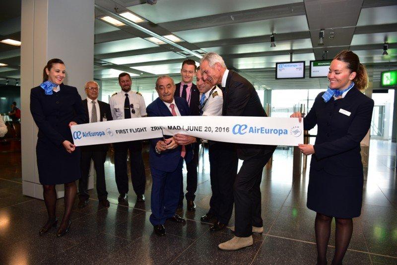 Juan José Hidalgo, en el aeropuerto de Zurich, en la inauguración de la nueva ruta de Air Europa entre Madrid y la ciudad suiza.