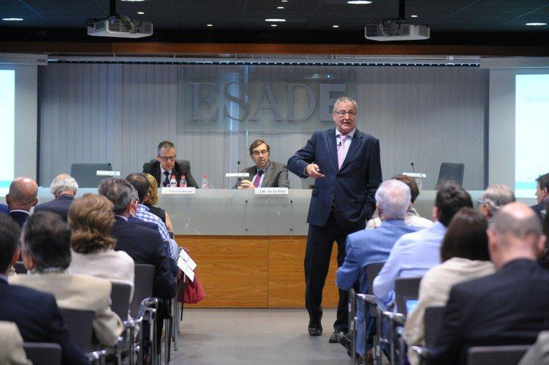 Josep Francesc Valls durante su intervención en la presentación del estudio.